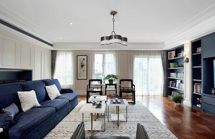 三居室蔚蓝色深海两居室客厅软装搭配图