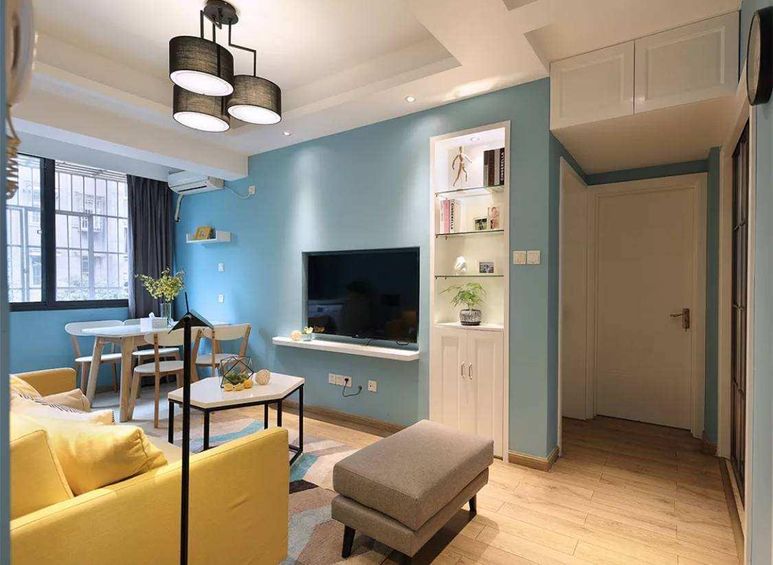 小客厅在颜色搭配上的技巧